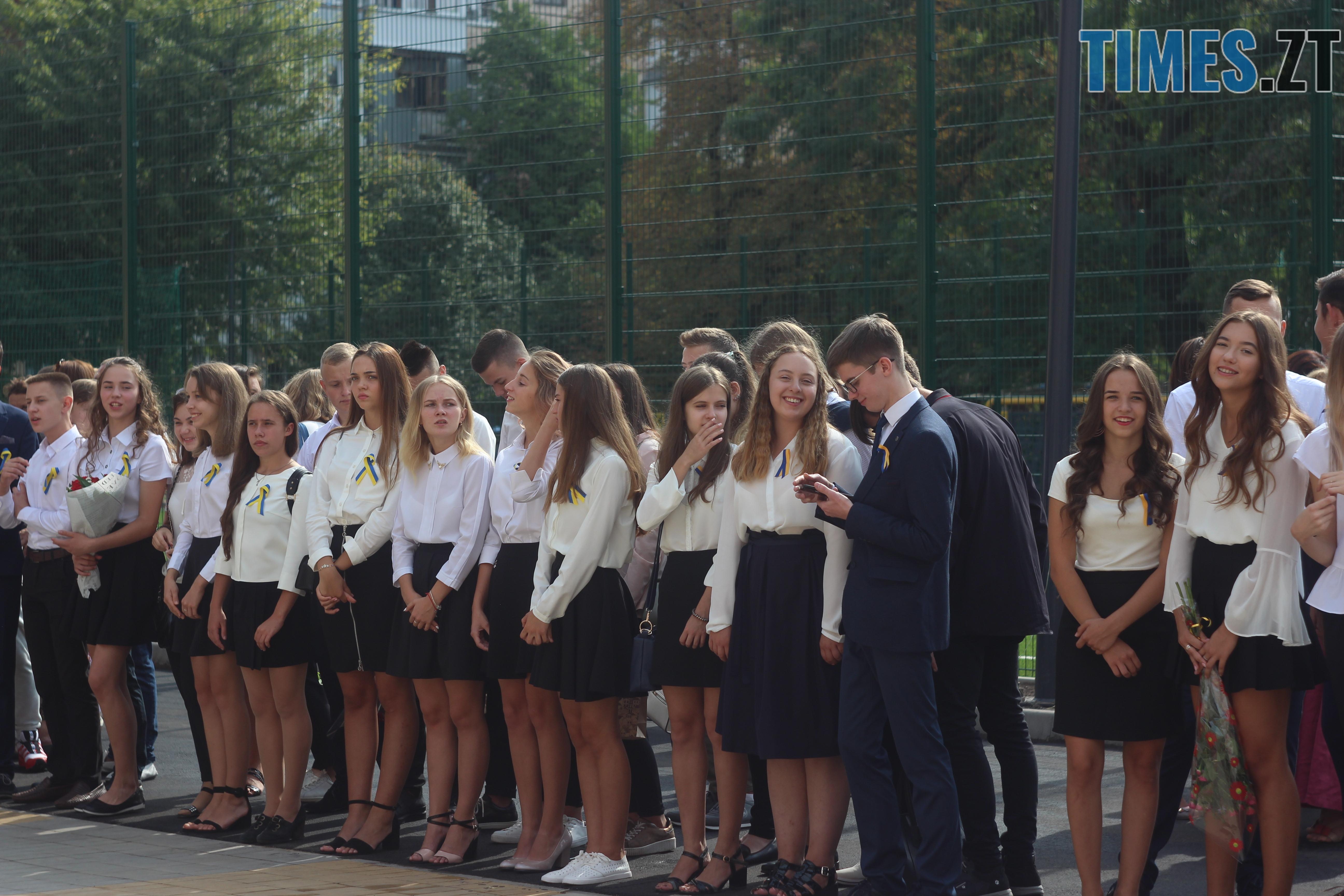 IMG 8919 - Майже 4 тисячі житомирських першокласників навчатимуться за системою Нової української школи (ФОТОРЕПОРТАЖ)