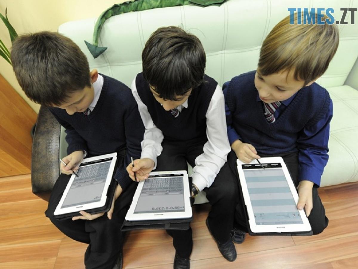 57bf05b5a1a53  1200 - Реальна вага знань: скільки кілограмів книжок носять житомирські школярі в своєму ранці