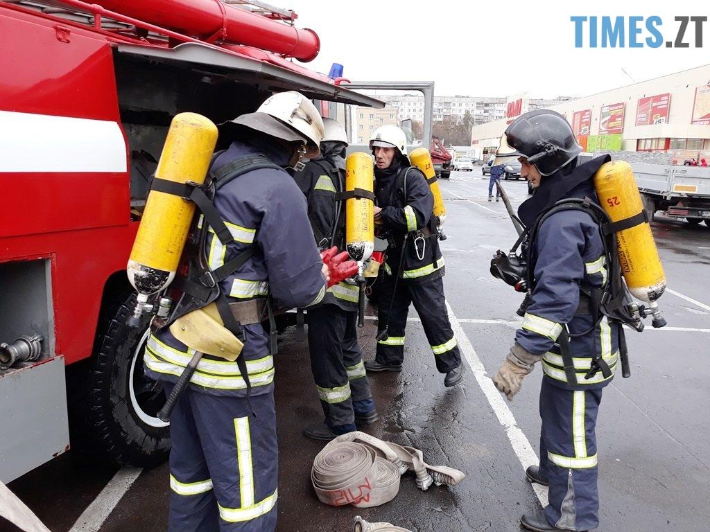 9021 1024x768 - Евакуація та 7 пожежних автомобілів: у Житомирі «гасили пожежу» у супермаркеті будівельних матеріалів