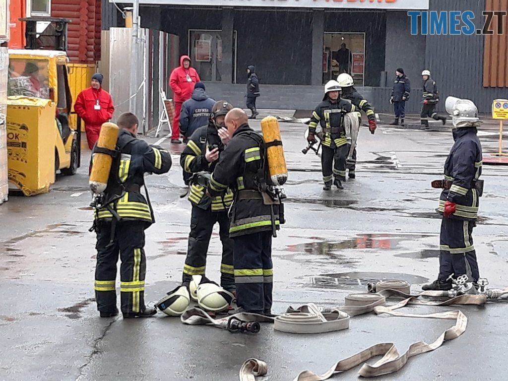 9027 1024x768 - Евакуація та 7 пожежних автомобілів: у Житомирі «гасили пожежу» у супермаркеті будівельних матеріалів