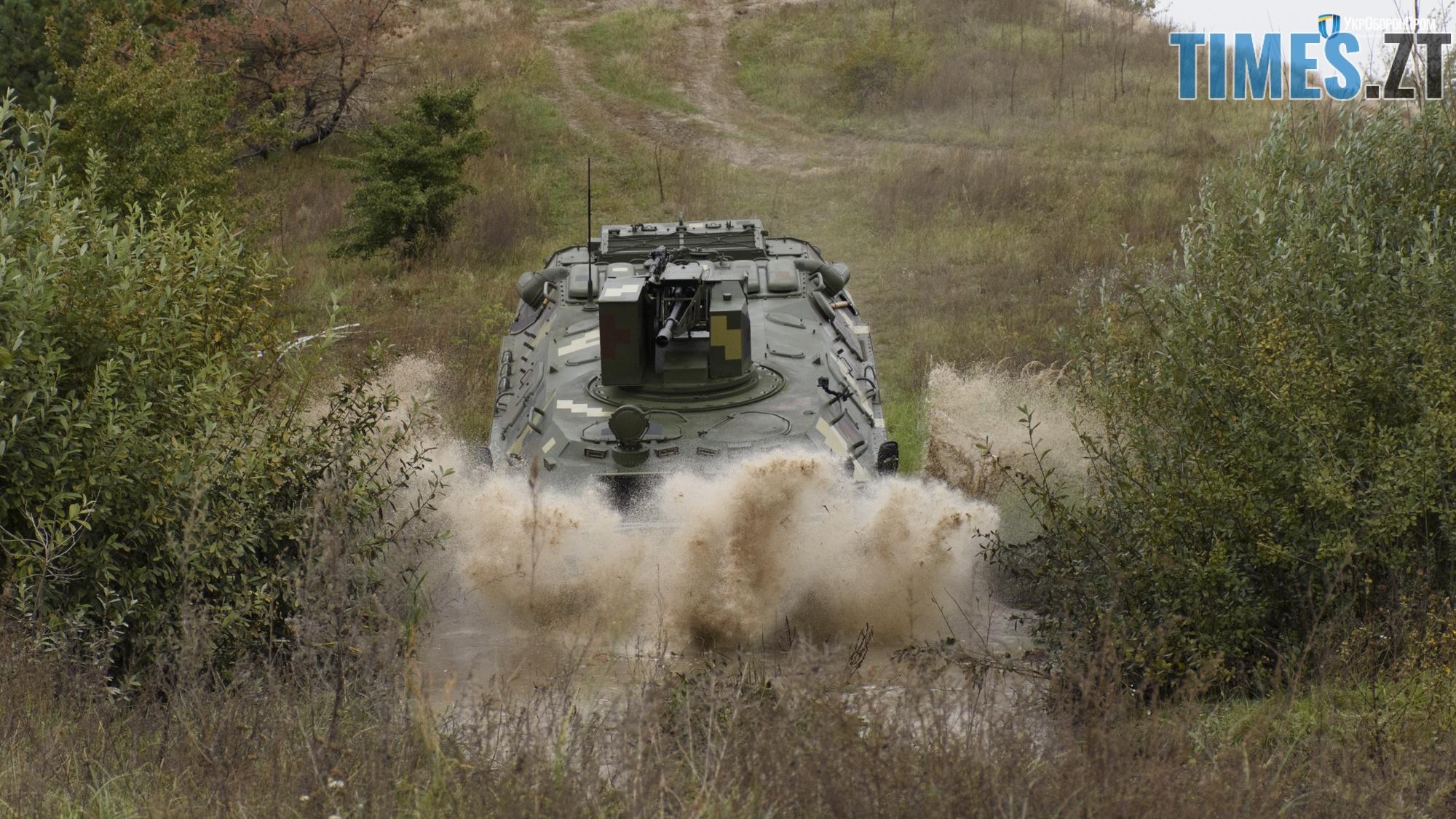 DSC0874 1 - Новітні розробки Житомирського бронетанкового заводу показали на Міжнародній оборонній виставці