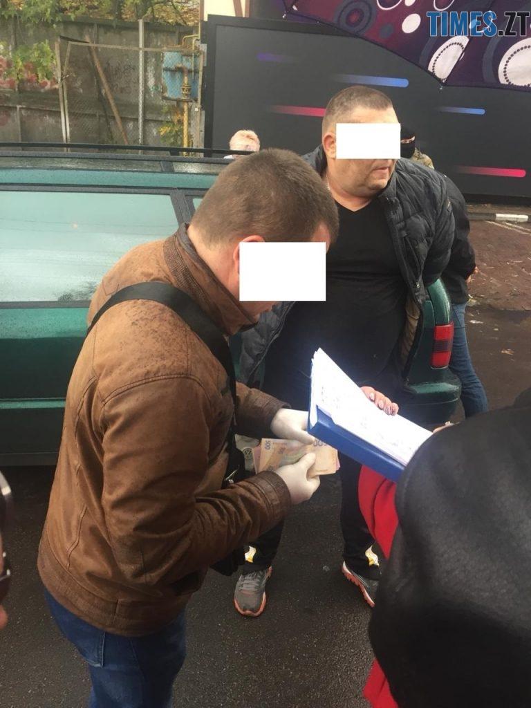IMG 20181026 WA0027 768x1024 - Хотіли продати фальшиві паспорти ЄС: силовики затримали «на гарячому» трьох житомирян