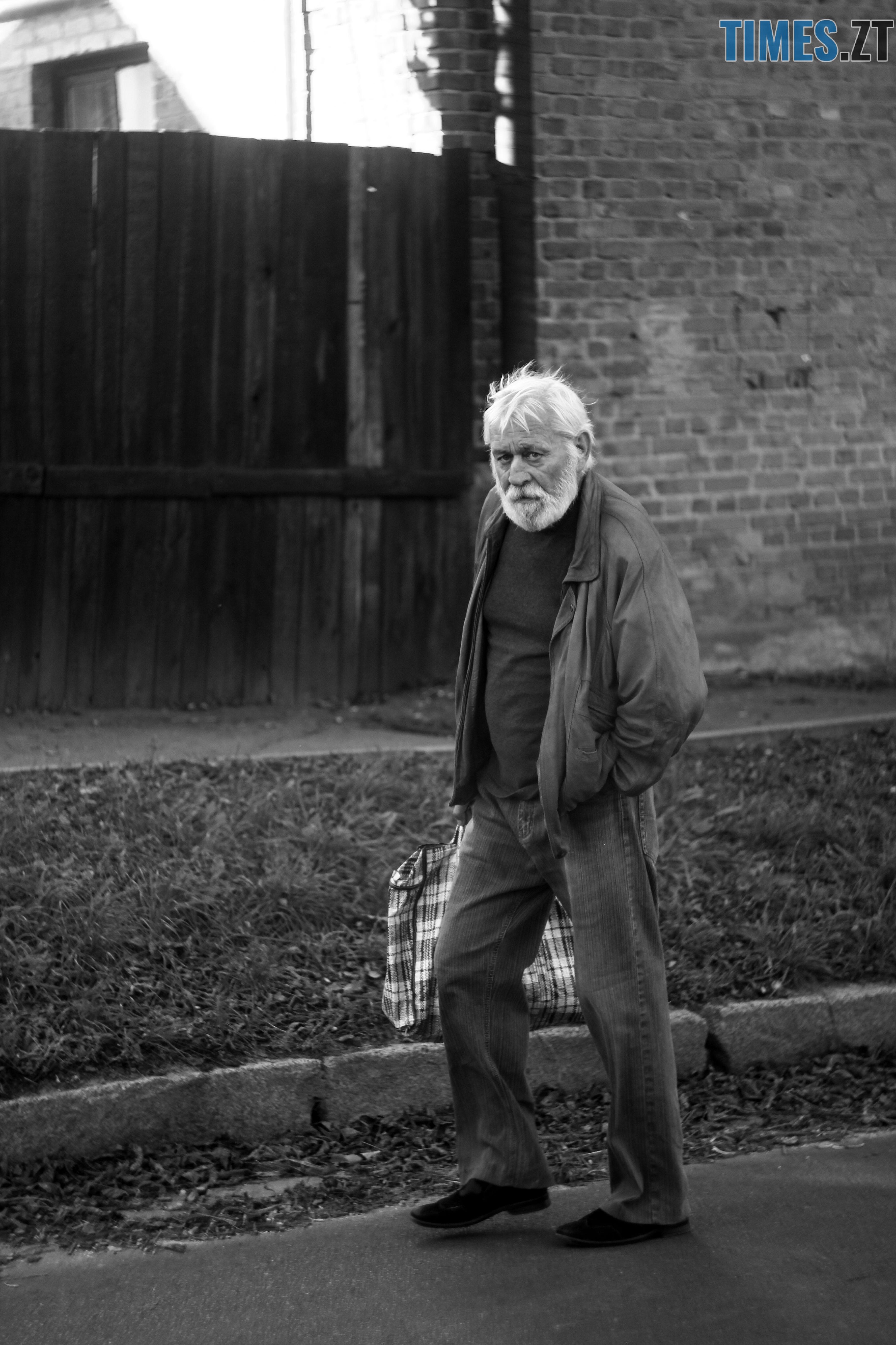 IMG 0908 - Старість чи її відчуття: звичайні будні житомирян поважного віку (ФОТОРЕПОРТАЖ)