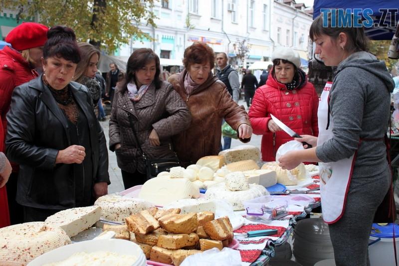 IMG 7329 - Що можна скуштувати та придбати на Покровському ярмарку у Житомирі