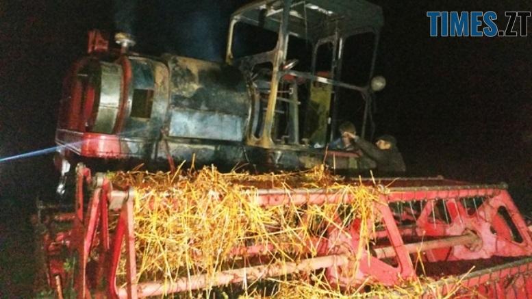 P81010 203045 1 - У Баранівському районі згорів комбайн та 2 тонни гречки