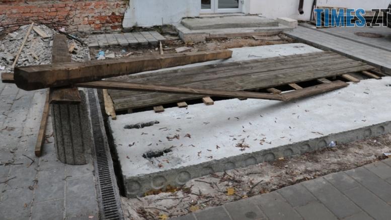 img1541514847 - «Підземелля» на Бердичівській вже до кінця місяця накриють броньованим склом