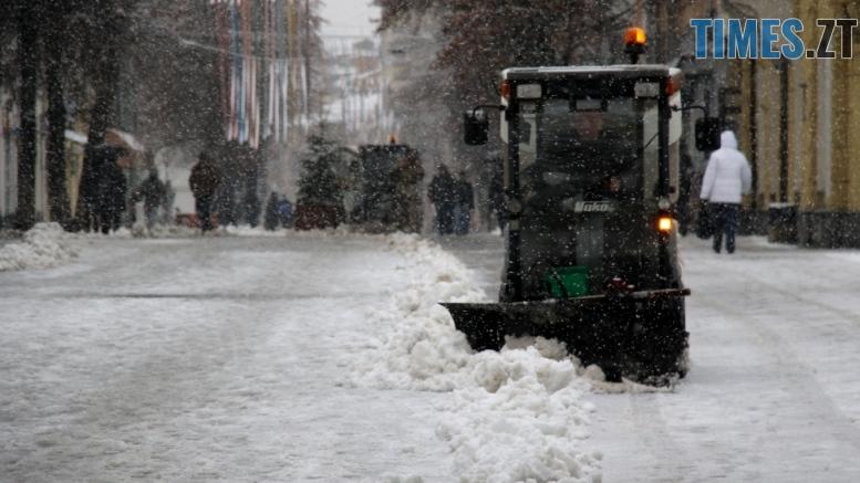 img1543226493 - Скільки людей і техніки прибирають Житомир та автодороги області