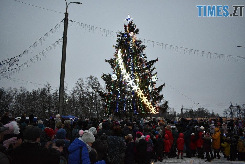 1024x683 - Як виглядають новорічні ялинки у різних районах Житомирської області
