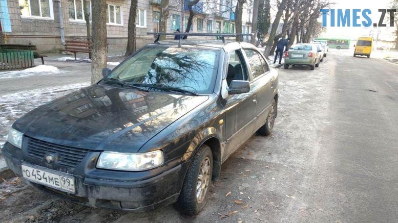 47578435 1964700103599349 2343052144849977344 n - На вулиці Степана Бандери у Житомирі побили автомобіль з російськими номерами