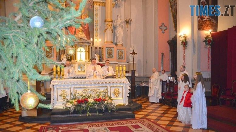 48403521 2551695721514990 8711406132670758912 o - Різдвяна Меса у кафедральному соборі: фоторепортаж