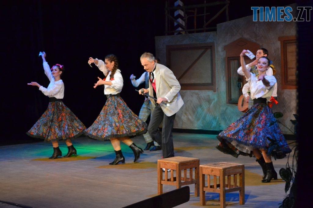 DSC 0302 1024x683 - «За двома зайцями»: 20 років на сцені Житомирського драмтеатру