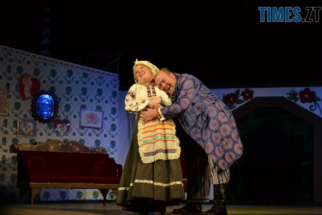 DSC 0362 1024x683 - «За двома зайцями»: 20 років на сцені Житомирського драмтеатру