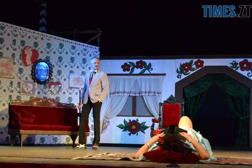 DSC 0433 1024x683 - «За двома зайцями»: 20 років на сцені Житомирського драмтеатру
