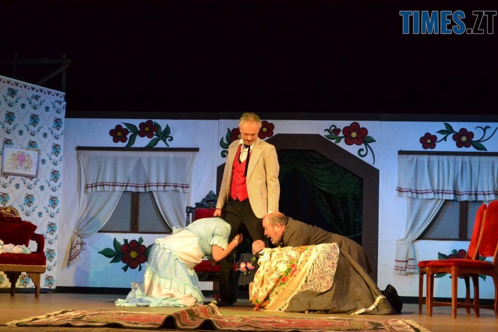 DSC 0497 1024x683 - «За двома зайцями»: 20 років на сцені Житомирського драмтеатру