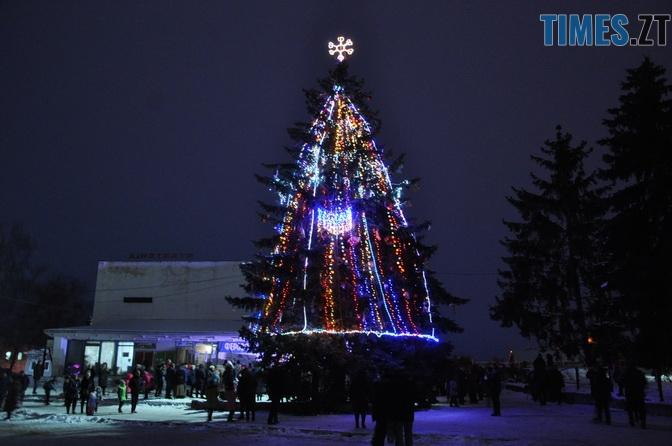 baranivka 1 - Як виглядають новорічні ялинки у різних районах Житомирської області