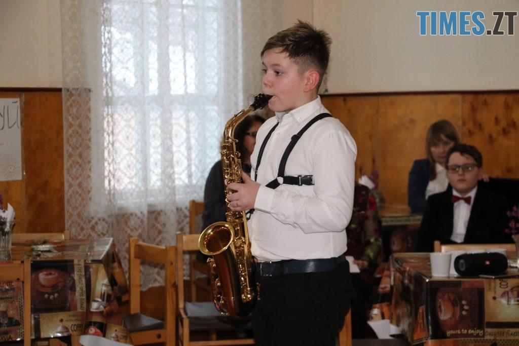 img1545229715 11 1024x683 - Янголи з великим серцем: діти привітали військових з Днем святого Миколая