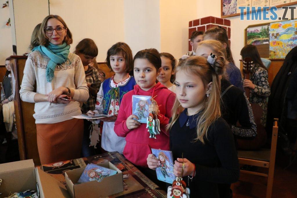 img1545229715 3 1024x683 - Янголи з великим серцем: діти привітали військових з Днем святого Миколая