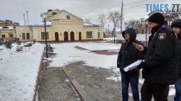 260x146 - Двоє на даху, поліція, заклеєні білборди: Бердичів зустрічає Президента і його гостей