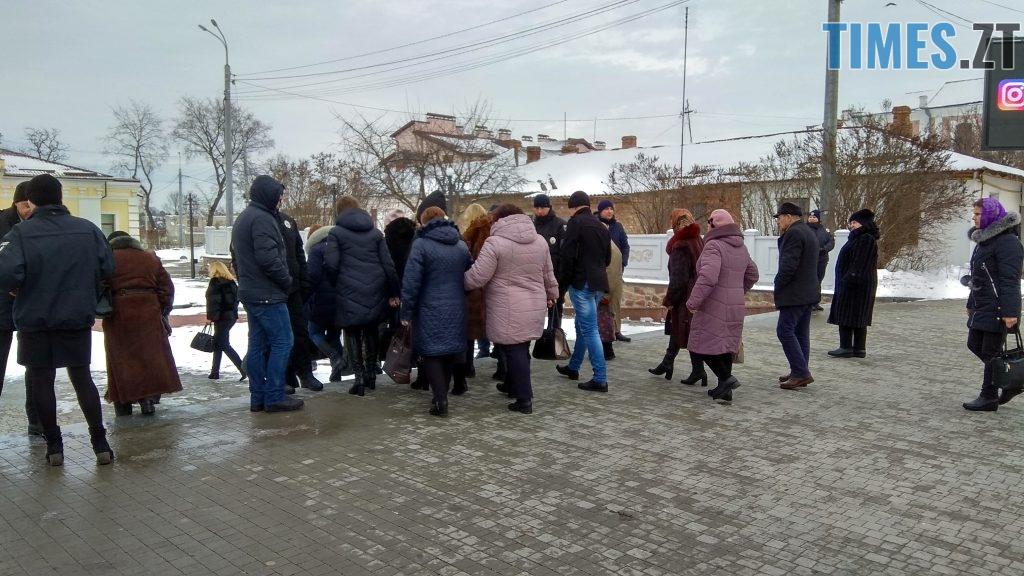IMG 20190117 135119 HDR 1024x576 - Двоє на даху, поліція, заклеєні білборди: Бердичів зустрічає Президента і його гостей
