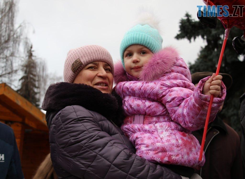 img1546438512 1 1024x747 - Різдвяна вантажівка Coca-Cola прибула в Житомир