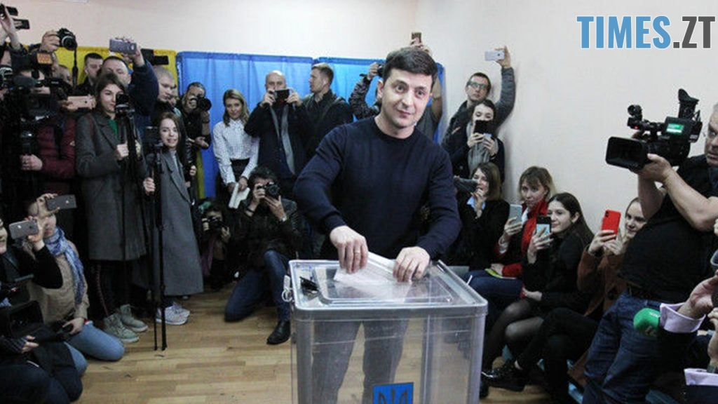 """2 1 1024x576 - """"Громадянський обов'язок""""  - кандидати демонструють голосування за самих себе (ФОТО)"""