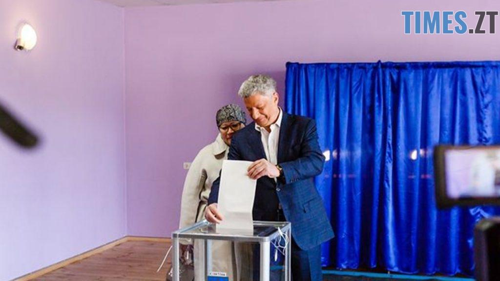 """4 1024x576 - """"Громадянський обов'язок""""  - кандидати демонструють голосування за самих себе (ФОТО)"""