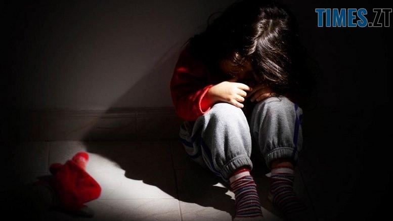 49563a292ceb44c2d57a2a6fd5385d8006103e23 900 777x437 - Правоохоронці Житомира затримали ґвалтівника 7-річної дитини