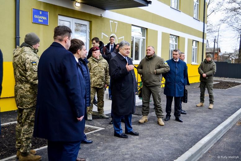 DSC 0032 Kopyrovat  - Президентський подарунок: житомирські військові отримали нові сучасні гуртожитки