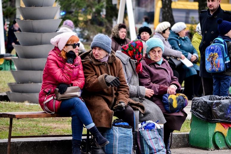 DSC 0042 Kopyrovat  - Концерт, бійки, гасла - Юлія Тимошенко зустрілась з житомирянами (ФОТО)