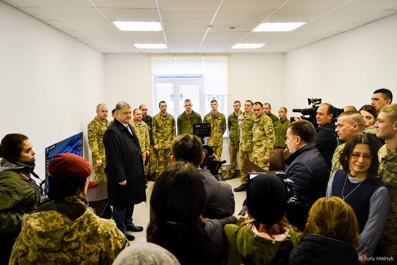 DSC 0046 Kopyrovat  - Президентський подарунок: житомирські військові отримали нові сучасні гуртожитки