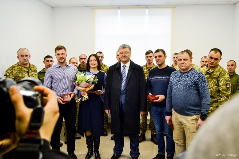 DSC 0050 Kopyrovat 1 1 - Президентський подарунок: житомирські військові отримали нові сучасні гуртожитки
