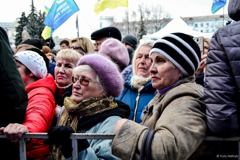 DSC 0193 Kopyrovat  - Концерт, бійки, гасла - Юлія Тимошенко зустрілась з житомирянами (ФОТО)