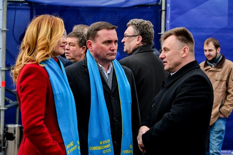 DSC 0211 Kopyrovat  - Концерт, бійки, гасла - Юлія Тимошенко зустрілась з житомирянами (ФОТО)