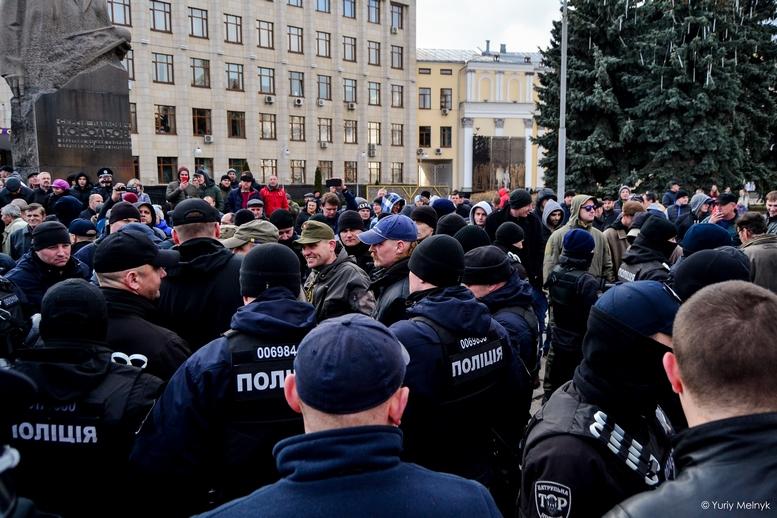 DSC 0230 Kopyrovat  - Фаталіті на майдані Корольова: прихильники Тимошенко побилися з її опонентами (ФОТО)