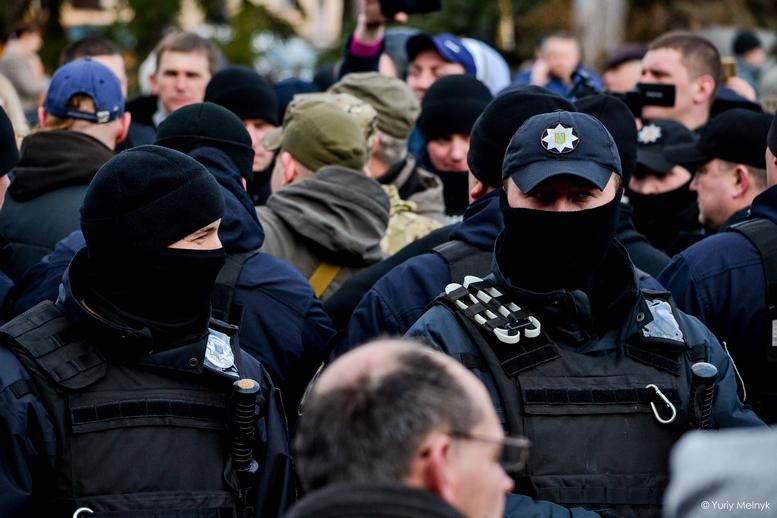 DSC 0242 Kopyrovat  - Фаталіті на майдані Корольова: прихильники Тимошенко побилися з її опонентами (ФОТО)