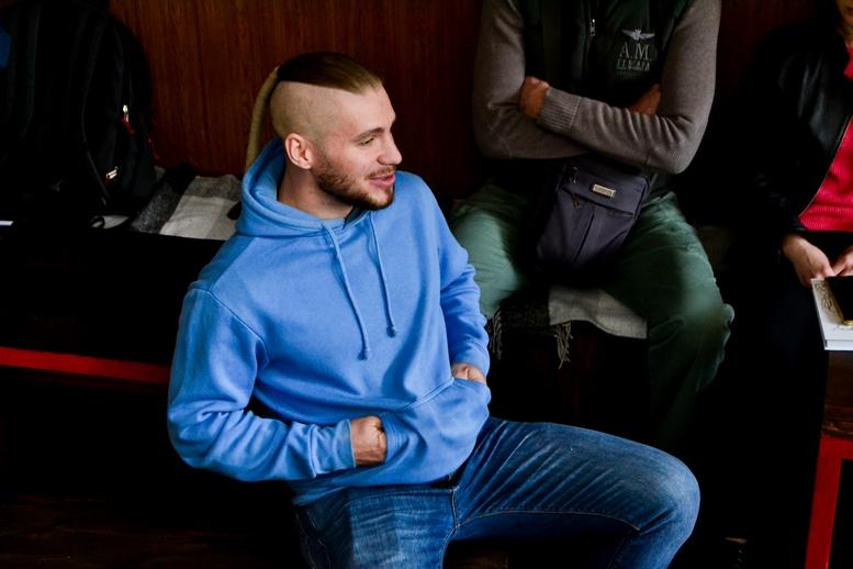 DSC 0555 Kopyrovat  - «Я просто Людина»: в Житомирі відомий блогер-десантник розповів про свою книгу (ФОТО)