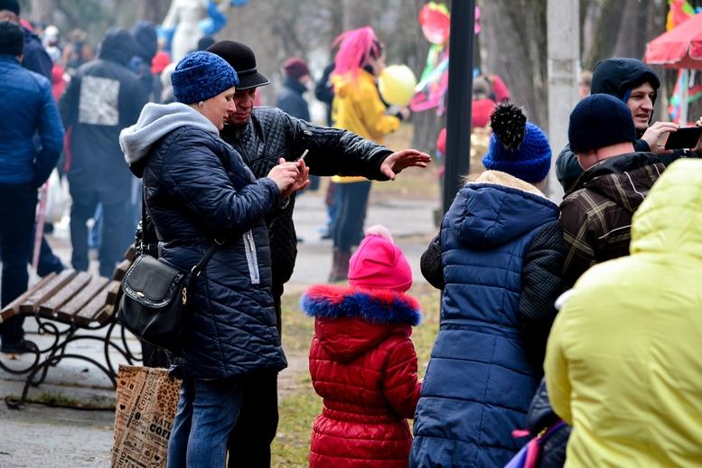 """DSC 0608 Kopyrovat  - Житомиряни прощалися з зимою: в Гідропарку """"залицялись до весни"""" (ФОТО)"""