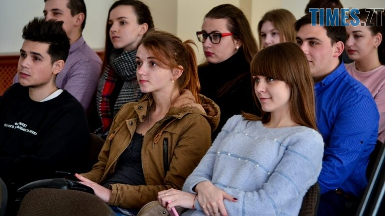 DSC 0665  777x437 - Хочеш кращого життя – голосуй: в Житомирі презентували аналітику програм кандидатів в Президенти