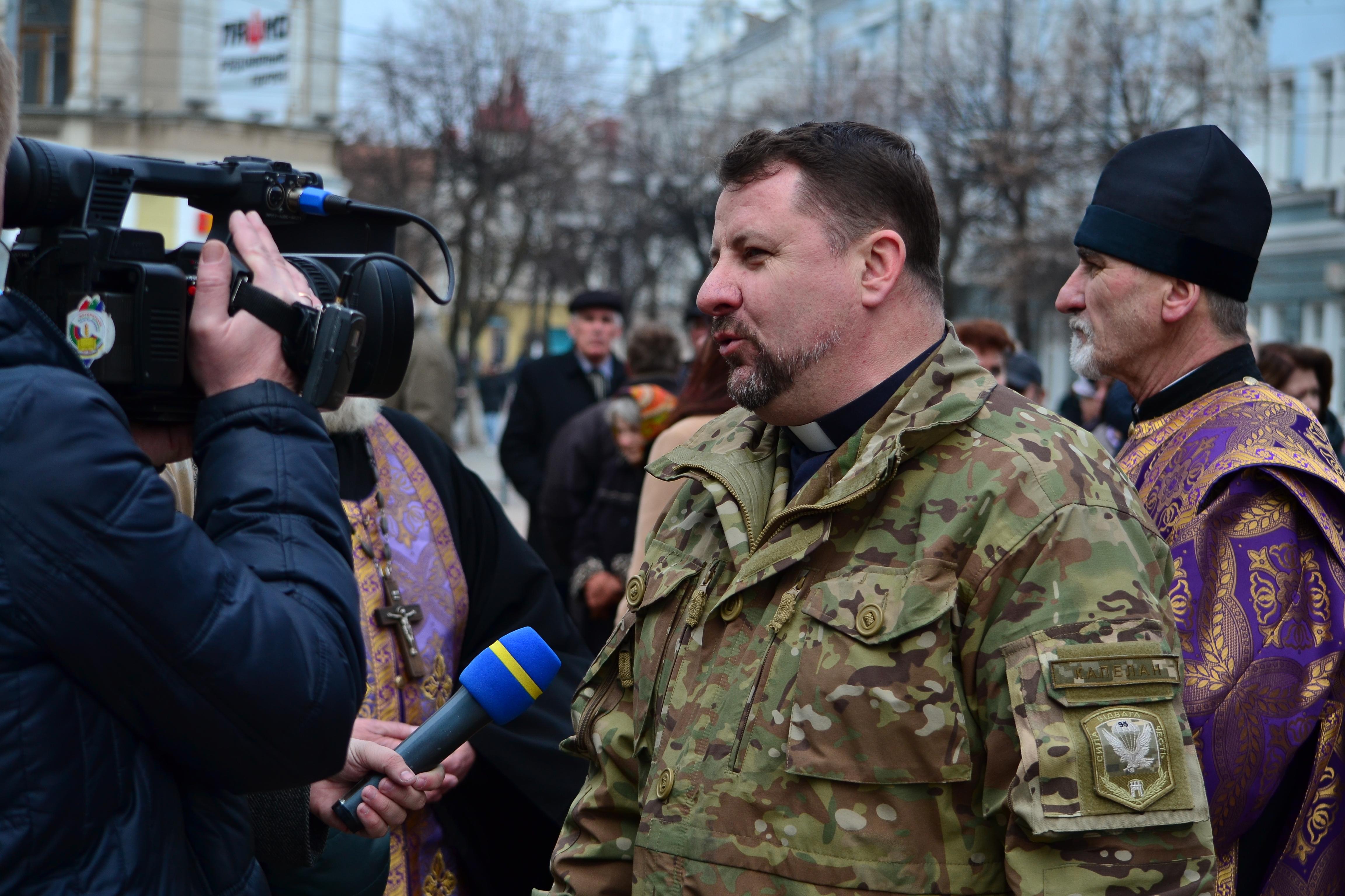 DSC 0808 1 - Ці воїни наповнюють наші серця: в Житомирі відзначили День українського добровольця (ФОТО)