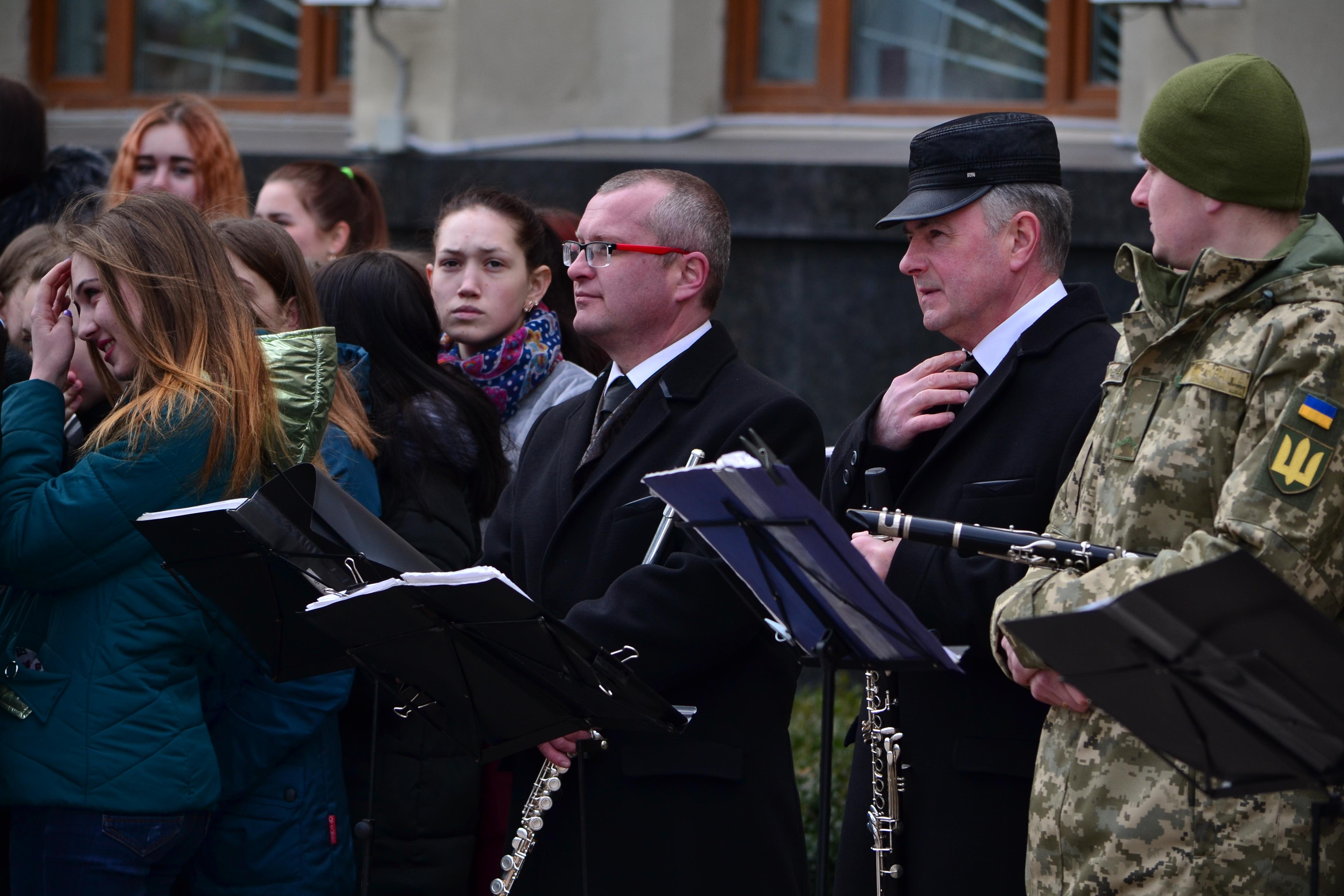 DSC 0811 - Ці воїни наповнюють наші серця: в Житомирі відзначили День українського добровольця (ФОТО)