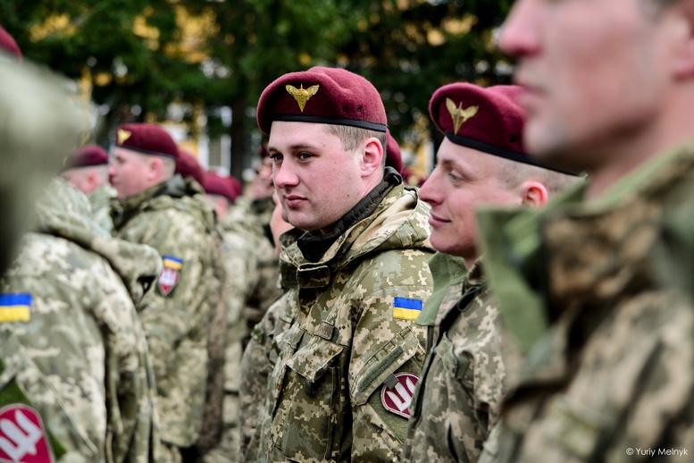 DSC 0815 Kopyrovat  - Не дам розкрадати армію: у Житомирі Порошенко погрожував корупціонерам в армії (ФОТО)
