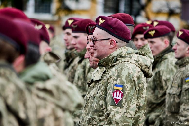 DSC 0836 Kopyrovat  - Не дам розкрадати армію: у Житомирі Порошенко погрожував корупціонерам в армії (ФОТО)