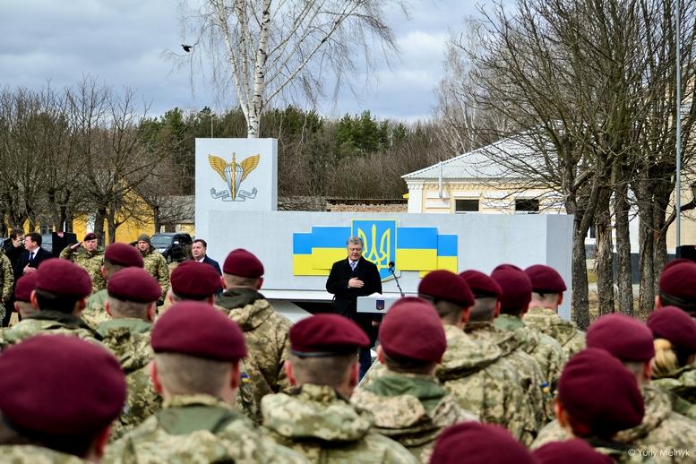 DSC 0891 Kopyrovat  - Не дам розкрадати армію: у Житомирі Порошенко погрожував корупціонерам в армії (ФОТО)