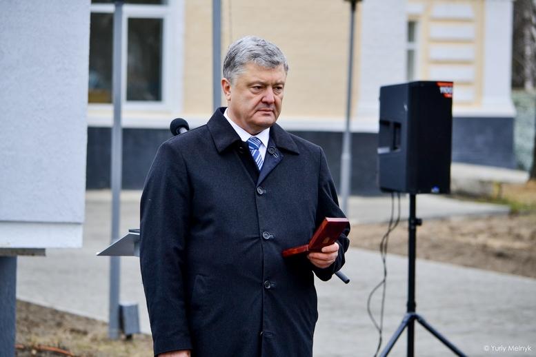 DSC 0930 Kopyrovat  - Не дам розкрадати армію: у Житомирі Порошенко погрожував корупціонерам в армії (ФОТО)