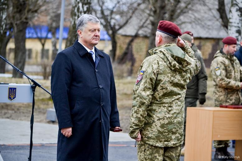 DSC 0936 Kopyrovat  - Не дам розкрадати армію: у Житомирі Порошенко погрожував корупціонерам в армії (ФОТО)