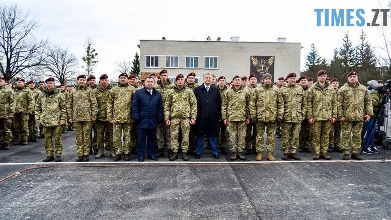 DSC 0992 Kopyrovat 1 1 - Не дам розкрадати армію: у Житомирі Порошенко погрожував корупціонерам в армії (ФОТО)