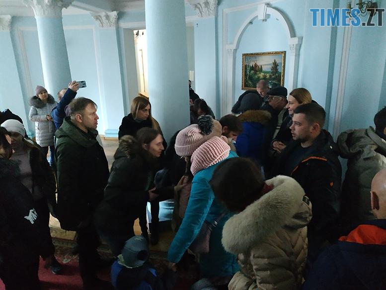 IMG 20190301 113529 - Обурені батьки скандалять в Житомирській міськраді