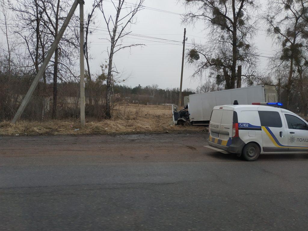 IMG 20190305 090341 1024x768 - Під Житомиром вантажівка Mercedes зіткнулася з рейсовим автобусом: постраждали пасажири (фото)