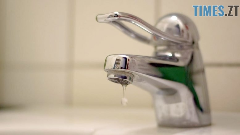 1526747592 tap water bathroom faucet dripping tap 795366 777x437 - В Житомирі можливі перебої з водопостачанням