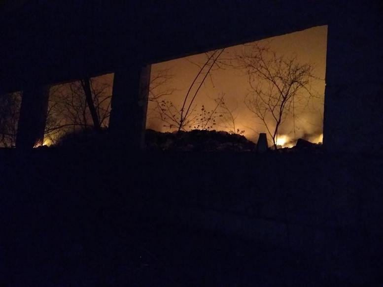 57034653 2355727997799561 4216576343187390464 n Kopyrovat  - Львівське сміття палає на Бердичівщині: через небезпеку ОТГ планує евакуацію
